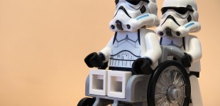 fauteuil roulant lego starwars